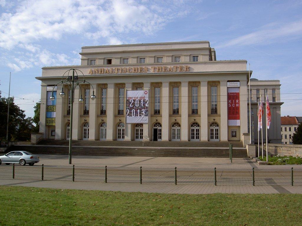 dessau-anhaltisches-theater-erbaut-1938-37189